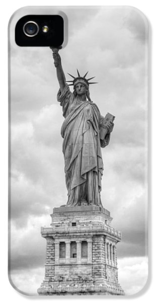 Statue Of Liberty Full IPhone 5 Case by Dave Beckerman