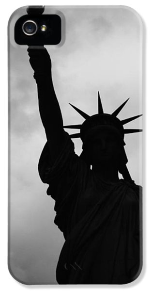 Statue Of Liberty Silhouette IPhone 5 Case by Dave Beckerman
