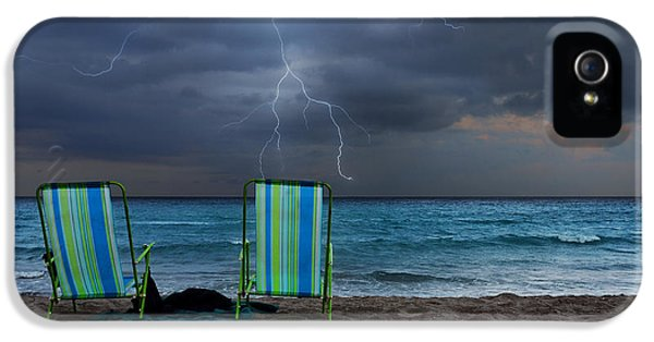 Storm Chairs IPhone 5 Case