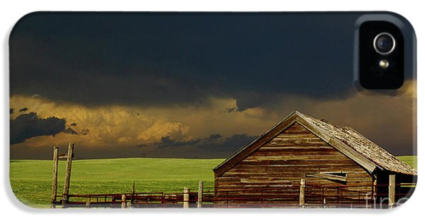 Nebraska iPhone 5 Case - Storm Crossing Prairie 2 by Robert Frederick