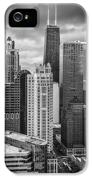 Hancock Building iPhone 5 Case - Streeterville From Above Black And White by Adam Romanowicz