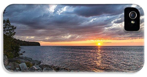 Sundown Bay IPhone 5 Case by Bill Pevlor