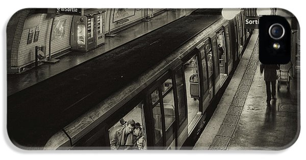 French iPhone 5 Case - The Last Metro by Thomas Siegel