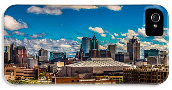 The View That Made Milwaukee Famous IPhone 5 Case by Randy Scherkenbach