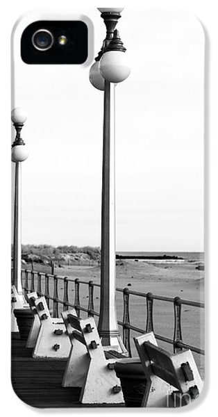 Three Lamp Posts In Avon IPhone 5 Case by John Rizzuto