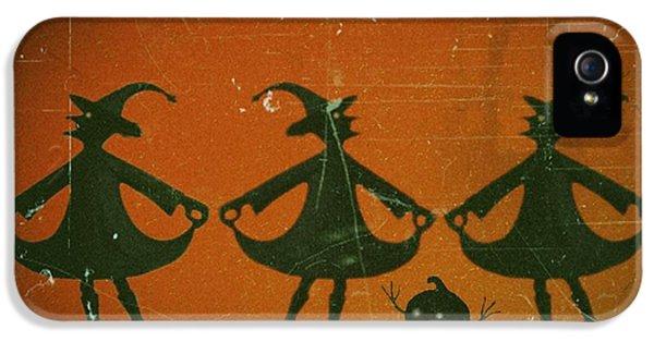Three Witches Vintage IPhone 5 Case by David Dehner