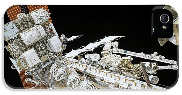 Emu iPhone 5 Case - Tim Kopra's Spacewalk by Nasa