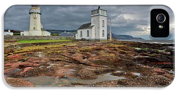 Toward Lighthouse  IPhone 5 Case by Gary Eason