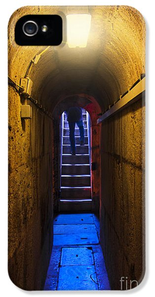 Dungeon iPhone 5 Case - Tunnel Exit by Carlos Caetano