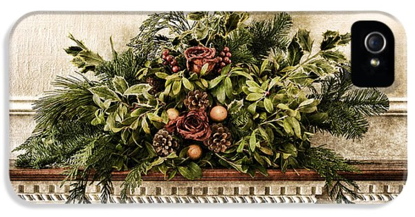 Victorian Christmas IPhone 5 Case by Olivier Le Queinec
