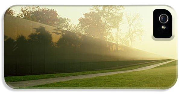Vietnam Veterans Memorial, Washington IPhone 5 Case