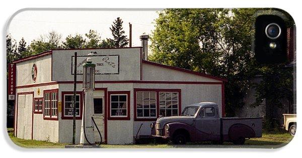 Vintage Gas Station IPhone 5 Case