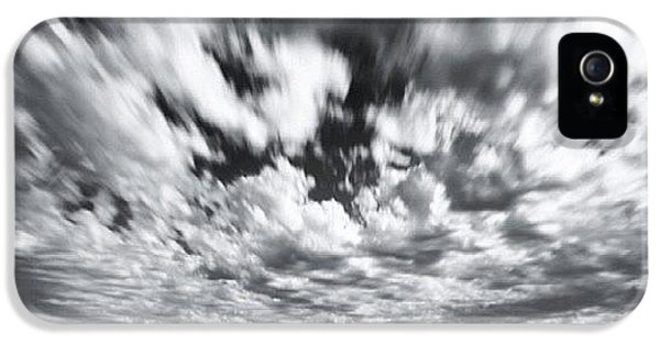 iPhone 5 Case - We Have Had Lots Of High Clouds And by Larry Marshall