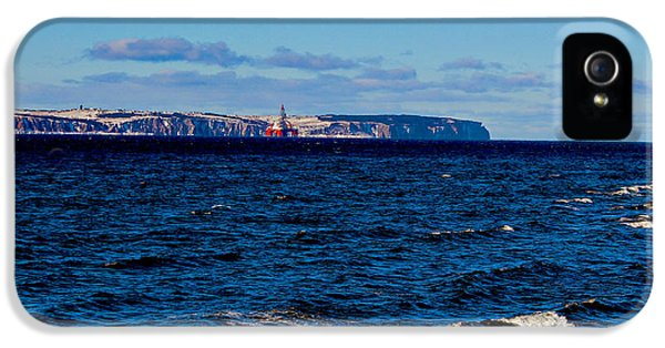 West Aquarius Oil Rig - Bell Island - Oil And Gas Exploration IPhone 5 Case