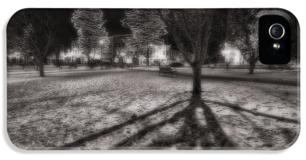 Winter Shadows And Xmas Lights IPhone 5 / 5s Case by Sven Brogren