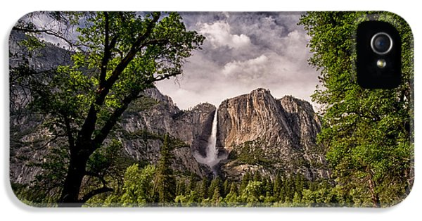 Yosemite Falls IPhone 5 Case by Cat Connor