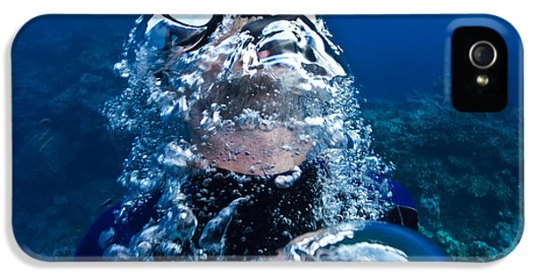 Breathe iPhone 5 Case - A Free Diver Exhales by Jason Edwards