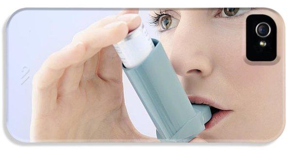 Breathe iPhone 5 Case - Asthma Inhaler Use by Gavin Kingcome
