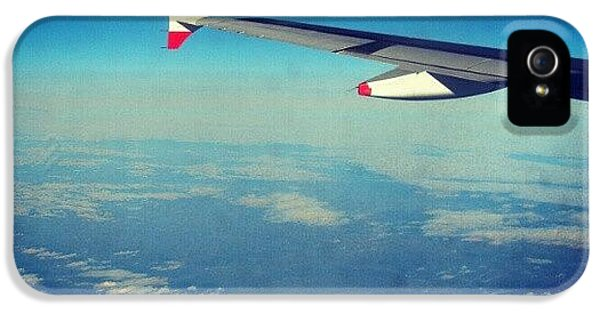 London iPhone 5 Case - Above The #clouds #london #snow by Abdelrahman Alawwad