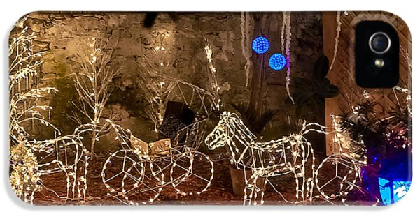 Christmas Carriages IPhone 5 Case by DigiArt Diaries by Vicky B Fuller