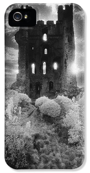 Dungeon iPhone 5 Case - Helmsley Castle by Simon Marsden