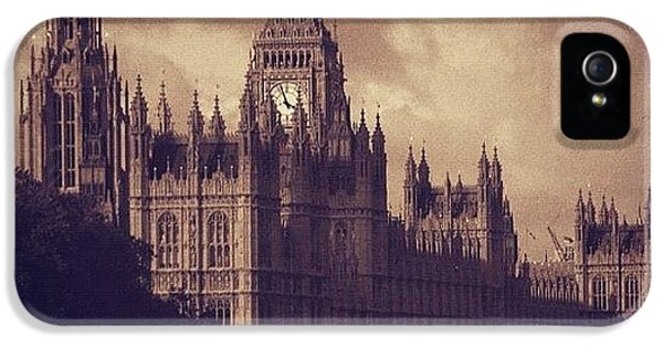 London iPhone 5 Case - #london 05.10.1605 by Ozan Goren