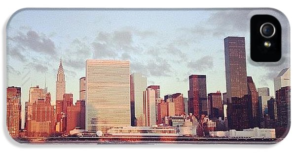 City iPhone 5 Case - Nyc Sunrise by Randy Lemoine