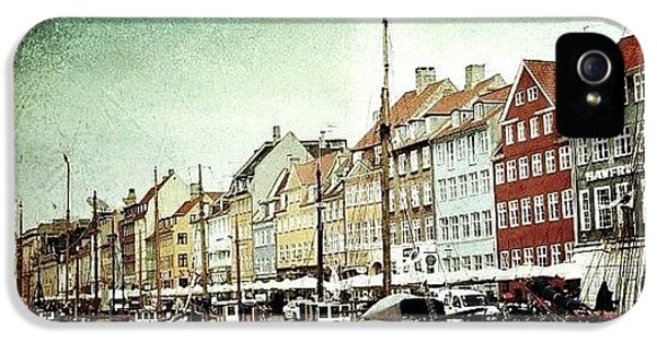 Cool iPhone 5 Case - Nyhavn by Luisa Azzolini