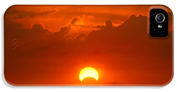 Solar Eclipse IPhone 5 Case by Bill Pevlor