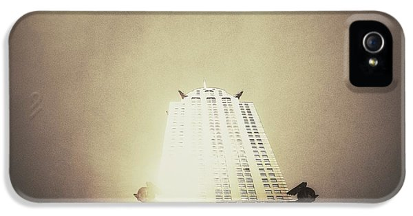 Architecture iPhone 5 Case - The Chrysler Building - New York City by Vivienne Gucwa
