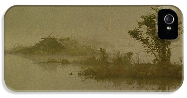 The Lodge In The Mist IPhone 5 Case by Skip Willits