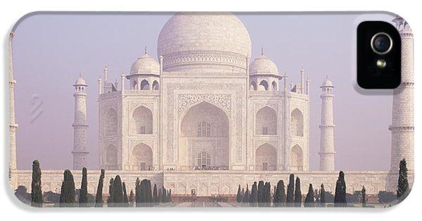 The Taj Mahal A White Marble Mausoleum IPhone 5 Case