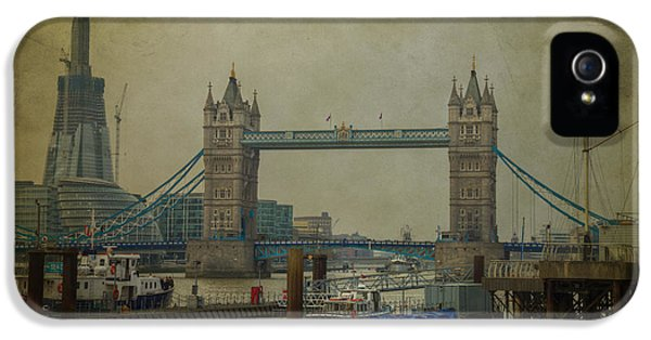 IPhone 5 Case featuring the photograph Tower Bridge. by Clare Bambers