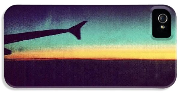 London iPhone 5 Case - Up In The Air :) On My Way To #london by Abdelrahman Alawwad