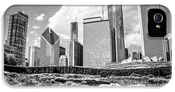 Chicago Skyline At Lurie Garden Black And White Photo IPhone 5 Case by Paul Velgos