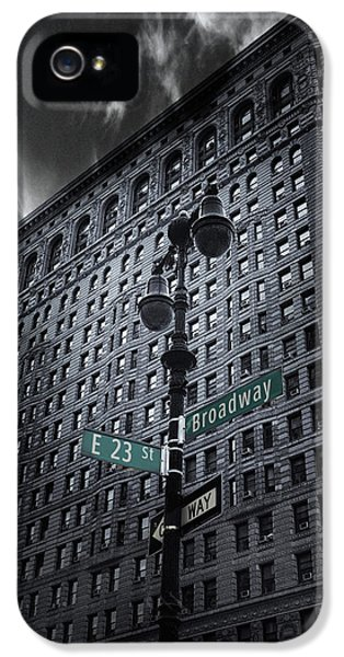 IPhone 5 Case featuring the photograph Flatiron Noir by Jessica Jenney