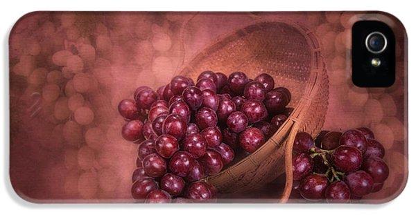 Grapes In Wicker Basket IPhone 5 / 5s Case by Tom Mc Nemar