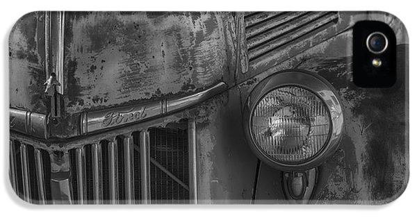 Old Ford Pickup IPhone 5 Case by Garry Gay