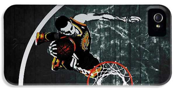 Stephen Curry In Flight IPhone 5 Case by Brian Reaves