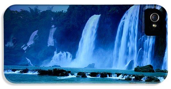 Moon iPhone 5 Case - Waterfall by MotHaiBaPhoto Prints