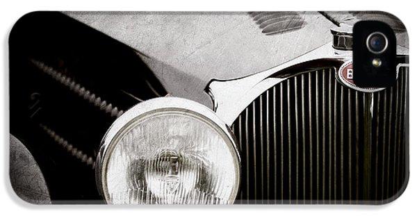 1936 Bugatti Type 57s Corsica Tourer Grille Emblem -1673ac IPhone 5 Case