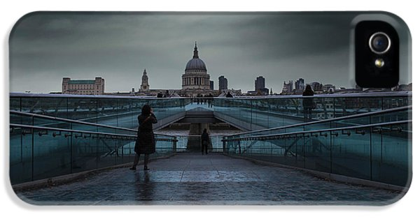 Wren iPhone 5 Case - St Paul's Cathedral by Martin Newman