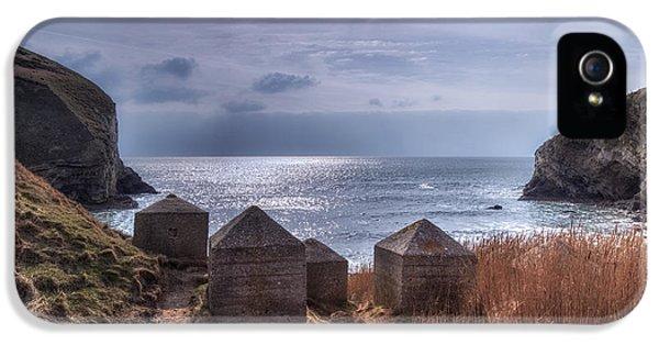 Dorset iPhone 5 Case - Wolbarrow Bay - England by Joana Kruse