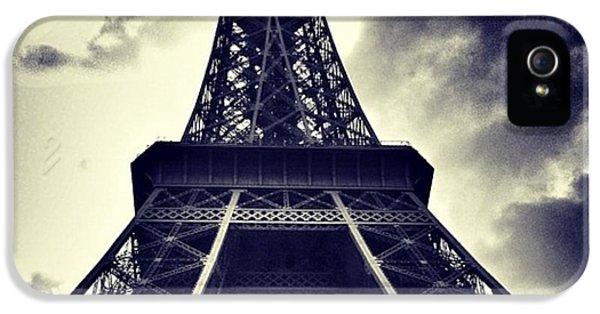 #paris IPhone 5 / 5s Case by Ritchie Garrod