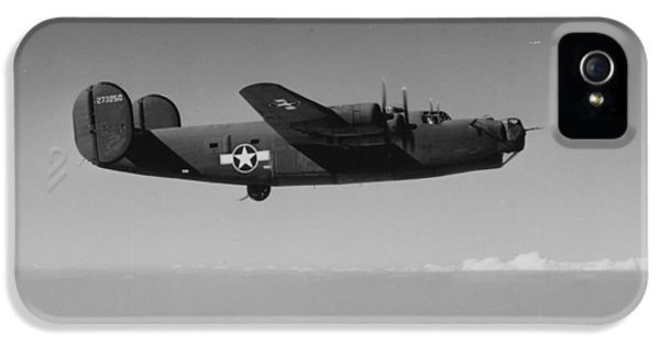 Wwii Us Aircraft In Flight IPhone 5 Case by American School