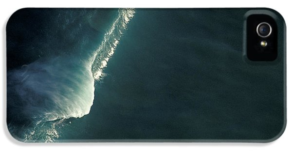 A Huge 30ft Wave On The North Shore On Big Wednesday. IPhone 5 Case