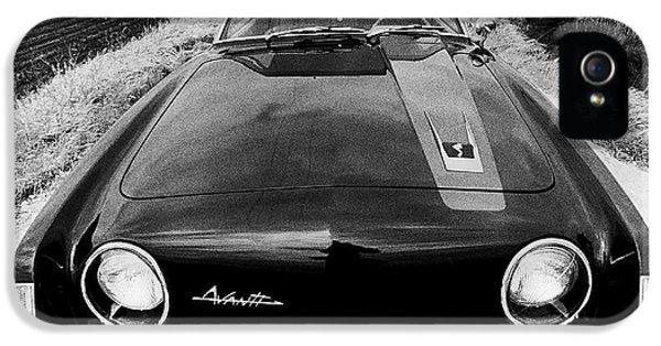 A Studebaker Avanti IPhone 5 Case by Underwood Archives