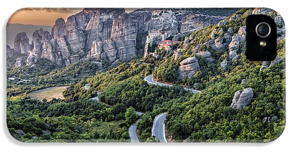 A View Of The Meteora Valley In Greece IPhone 5 Case