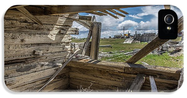 Abandoned Building In Cisco, Utah IPhone 5 Case by Janice Bennett