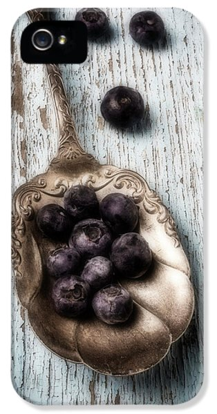 Antique Spoon And Buleberries IPhone 5 / 5s Case by Garry Gay